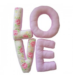Pembe Ekoseli Love Harf Yastık 2